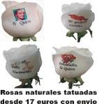 Rosas con mensajes tatuados