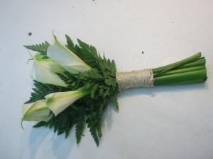 Ramo de novia con calas y helechos (5)
