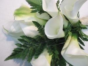 Ramo de novia con calas y helechos (6)