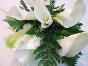 Ramo de novia con calas y helechos (7)