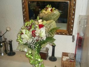 Ramo de rosas y liliums a domicilio (5)