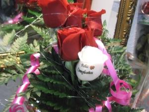 Ramo de rosas a domicilio con una rosa tatuada